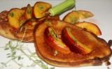 Kokosowe racuchy z nektarynką