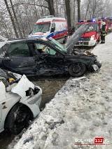 Stary Wiśnicz. Wypadek na śliskiej nawierzchni w Starym Wiśniczu, jedna osoba została ranna [ZDJĘCIA]