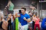Trenuj z Qczajem! Biorąc udział w największej lekcji fitnessu, pomożesz Hani Łączkowskiej wygrać z chorobą