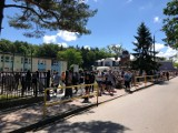 Wyborczy incydent w gminie Władysławowo. Policja zatrzymała autobus wiozący głosujących z Karwi. Było złamanie prawa? To bada pucka policja