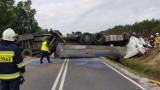 Wypadek na DK5 w Szkocji pod Bydgoszczą. Przewróciła się cysterna z mlekiem. Sprawca wypadku zbiegł [zdjęcia]