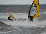 Na Bałtyku sztorm, ale port w Ustce jest bezpieczny [ZDJĘCIA]