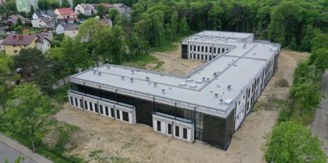 Szkoła ma zostać oddana do lutego 2022 r.