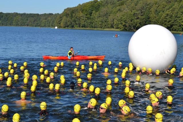 Triathlon 2013 w Przechlewie - pływanie
