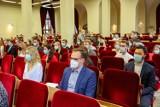 Absolwenci PUM w Szczecinie już oficjalnie z prawem wykonywania zawodu! Zobacz galerię z uroczystości