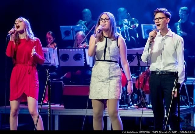 """Kwidzyńska grupa """"Art Voice"""" zaprezentowała się widzom m.in. w koncercie piosenek Zbigniewa Wodeckiego"""