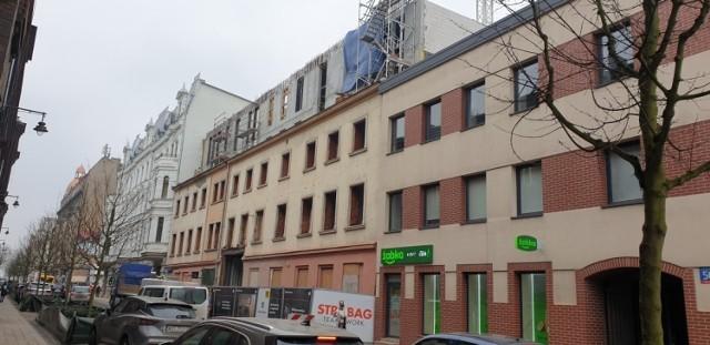 Inwestycja Revisit Home przy ul. Tuwima 48 to gruntowny remont starej śródmiejskiej kamienicy.