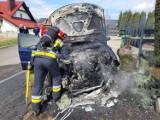 Przy Skrzyszowskiej w Jastrzębiu-Zdroju płonął samochód. Na miejsce wezwano strażaków