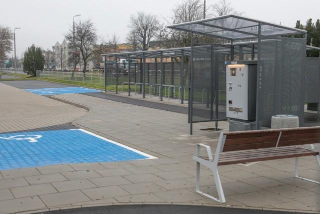 Parking przy ulicy św. Michała w Poznaniu jest jednym z trzech, który obecnie realizuje miasto. Jego budowa rozpoczęła się najwcześniej. Obecnie testowany jest  system IT zintegrowanego z kartą PEKA oraz sprawdzana jego kompatybilność z systemami na pozostałych parkingach