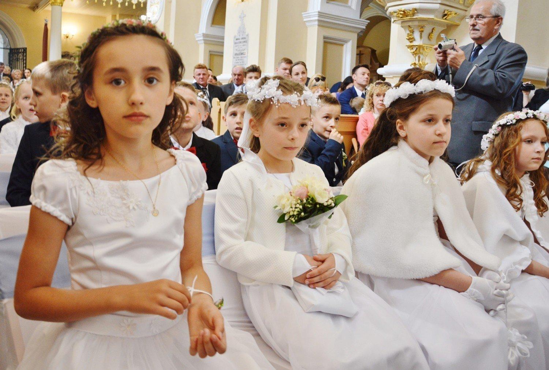 4c98c7edd1  h2 Komunie Piotrków 2018  Pierwsza komunia w kościele św. Jacka i Doroty