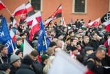 Manifestacja przeciw islamizacji Europy na Placu Zamkowym [ZDJĘCIA]