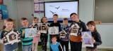 Gmina Oborniki. Uczniowie szkoły w Kiszewie dokarmiali ptaki zimą