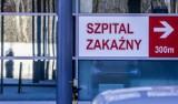Szpital zakaźny w Gdańsku wstrzymuje przyjęcia dorosłych chorych z powodu braku miejsc. Lekarze: Sytuacja zagraża życiu i zdrowiu pacjentów