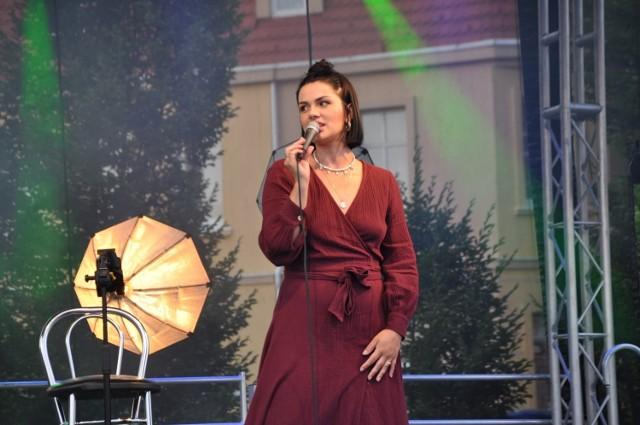 Anna Hnatowicz zaśpiewała w niedzielę 11 lipca dla mieszkańców Szubina