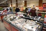 Wystrzałowe promocje w sklepach na kwiecień 2021. Przeceny produktów o 50 proc.! [Biedronka, Lidl, Kaufland, Netto, Aldi, Auchan, POLOmarket