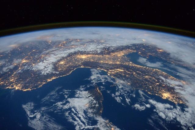 Słubice widziane z perspektywy kosmosu w latach 1984-2018. Przejdź do galerii >>