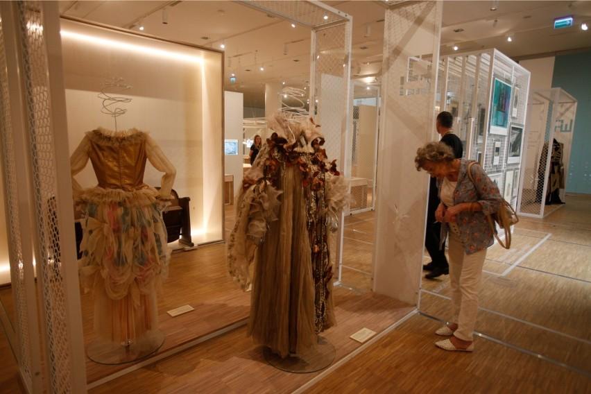 W Muzeum Śląskim są też m.in.  galeria sztuki sakralnej oraz...