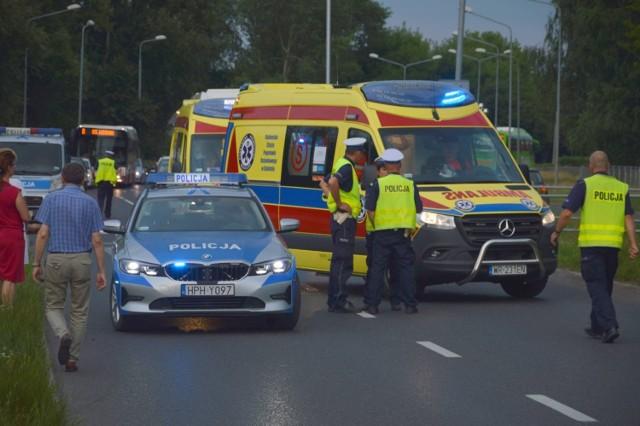 W sobotę na ul. Maratońskiej samochód osobowy potrącił dwie rowerzystki.