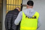 Bydgoski pseudokibic zatrzymany za narkotyki. 8 kg amfetaminy i ekstazy ukrył w lesie [zdjęcia]
