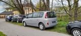 Zielona Góra. Koniec z łamaniem przepisów i parkowaniem na zieleni w Dolinie Gęśnika!