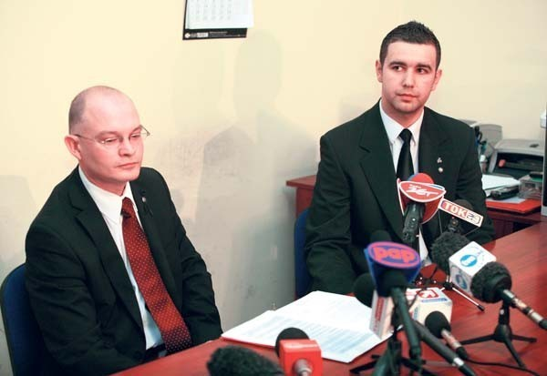 Waldemar Andzel i jego asystent Jarosław Burzawa