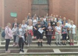 Kobiety i Mężczyźni Trzymają z Bogiem. Czterdzieści kobiet wzięło udział w pielgrzymce do kościoła w Płocicznie