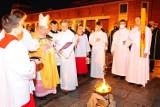 Kraków. Wigilia Paschalna w Sanktuarium św. Jana Pawła II: Zmartwychwstanie to odpowiedź na ludzki lęk [ZDJĘCIA]