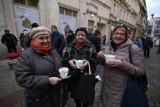 Bytomska Wigilia: 800 litrów barszczu i tłumy na ulicy Dworcowej