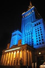 Warszawa z drona. Zobacz najpiękniejsze miejsca stolicy nakręcone nocą [WIDEO]
