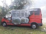 Nowy Tomyśl. Pożar busa przy nowotomyskim cmentarzu
