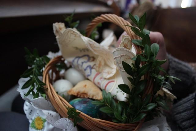 Chełm. Święcenie pokarmów w chełmskich kościołach.