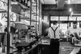 Trwa walka o pracowników w gastronomii. Niektóre lokale nie otworzyły się, bo brakuje ludzi do pracy