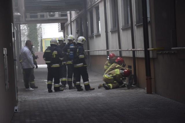 Pożar w zakładzie Chojecki wybuchł przed godziną 14