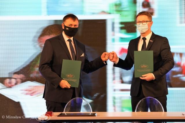 Uroczyste podpisanie porozumienie