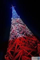Radiostacja Gliwicka zaświeciła w kolorze Francji [ZDJĘCIA]