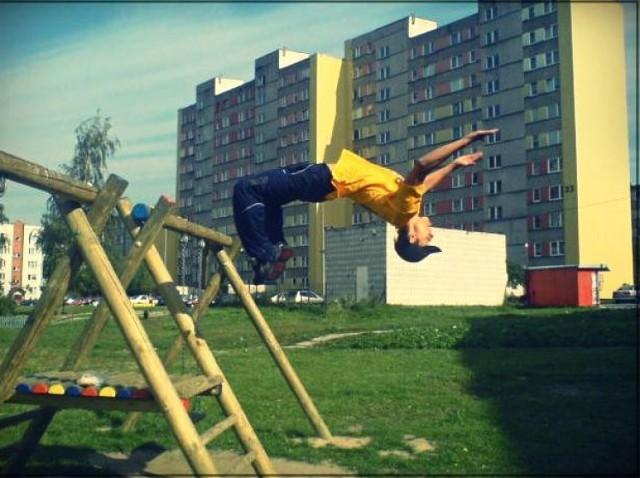 Park Our, Free Running, Akrobatyka, Capoeira, Martial Arts-Multi Level Moves integruję wielu pasjonatów różnych dyscyplin, w szerokim tego słowa znaczeniu.