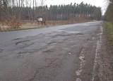 Tak wygląda droga z Byczyny do Goli. Most nie był remontowany od wielu lat! [ZDJĘCIA]