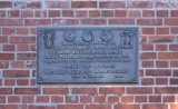 Malbork. Uroczystość przed tablicą Sybiraków w 82 rocznicę napaści ZSRR na Polskę. Uczcijmy pamięć ofiar sowieckiej agresji
