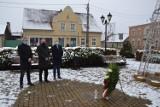 Gostyń. W Piaskach oddano hołd powstańcom wielkopolskim. Cześć i chwała bohaterom [ZDJĘCIA]