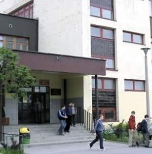 II LO w Chrzanowie było jedną z dwóch szkół młodzieżowych w powiecie chrzanowskim, w której wszyscy maturzyści zdali pisemny egzamin z języka polskiego.   Fot. Agnieszka FILIPOWICZ