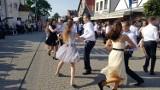 Polonez gimnazjalistów w Helu. Tanecznie i z belgijką pożegnali szkołę | ZDJĘCIA, WIDEO
