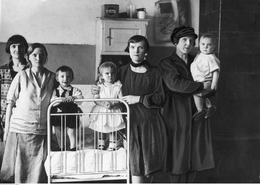 Więzienie w Fordonie, październik 1933 r.Więźniarki ze...