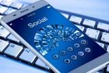 Awaria Facebooka i jego serwisów usunięta. Gigant ostro krytykowany. Zuckerberg stracił 7 mld dolarów