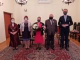 Pruszcz Gdański. Złoci i diamentowi jubilaci - 50-lecie i 60-lecie zawarcia związku małżeńskiego obchodziły trzy pary mieszkańców |ZDJĘCIA
