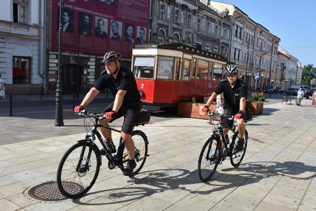 Strażnicy miejscy patrolują na rowerach tarnowskie ulice