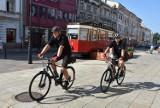 Tarnów.  Rowerowe patrole Straży Miejskiej wyruszyły w miasto. Funkcjonariusze-cykliści patrolują ulice Tarnowa