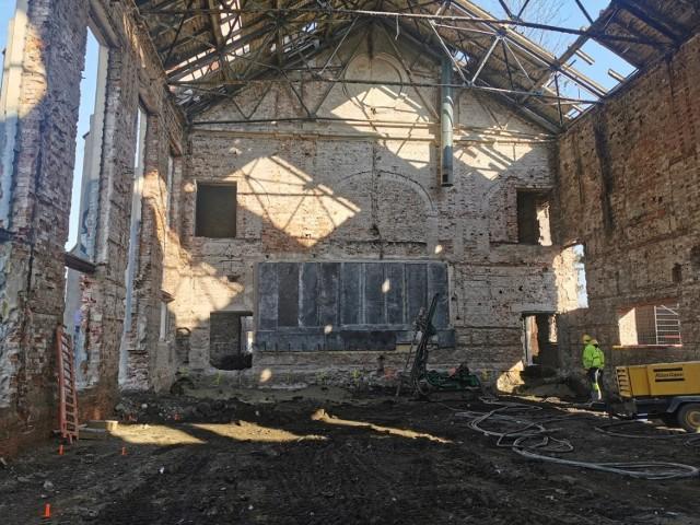 Tak wygląda dziś budynek cechowni byłej czeladzkiej kopalni. Ma się zamienić w prawdziwą architektoniczną perełkę Zobacz kolejne zdjęcia/plansze. Przesuwaj zdjęcia w prawo - naciśnij strzałkę lub przycisk NASTĘPNE
