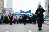 Związkowcy protestują na ulicach Warszawy [Zdjęcia]