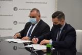 Za ponad 4 mln zł wyremontowana i przebudowana zostanie ulica Kresowa w Gubinie! Doszło do podpisania umowy. Kiedy ruszą prace?