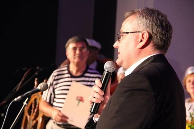 Artur Andrus podczas jubileuszu Zawadiaków w sycowskim Centrum Kultury